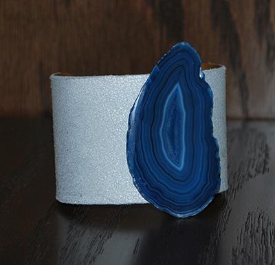 blue-accent-bracelet
