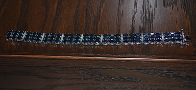 blue-jewel-bracelet